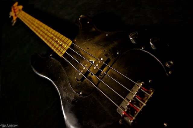 roger waters black bass guitar